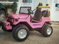 Toy Jeepfinished in stylish pink